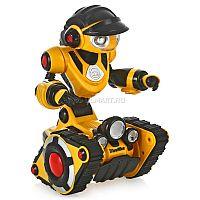 RoboRover от WowWee - великолепный интерактивный компаньон для маленького исследователя, готовый к веселым приключениям. Вначале немного робкий, он станет более уверенным и смелым, как только вы начнете давать ему команды с помощью трансмиттера. Робот оснащен передвижной базой на гусеничном ходу и чуткими инфракрасными датчиками, помогающими ему обнаруживать и обходить препятствия, а в случае падения он сразу сообщит об «аварии». Кроме того, RoboRover умеет говорить по-русски, двигать руками, головой и запястьями, а также следовать за хозяином. Во время разговора глаза и рот игрушки подсвечиваются, а светочувствительные сенсоры мгновенно реагируют на наступление темноты и автоматически включаются передние фары, которыми робот освещает себе дорогу. Обаятельный внешний вид игрушки в сочетании с насыщенным игровым функционалом непременно заинтересует ребенка и подарит множество положительных эмоций.