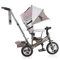 Трехколесный велосипед Navigator Trike является самой популярной моделью трехколесного велосипеда. Строгая  цветовая палитра выбрана согласно современным трендам в мире дизайна детских прогулочных колясок. Велосипед снабжен широкими  EVA колесами, что делает его ход наиболее мягким и комфортным для ребенка. Специальная функция свободного хода педалей позволяет ребенку оставить ноги на педалях, в то время как переднее колесо будет вращаться независимо от хода шатунов, когда велосипедом управляют родители. Отклоняющаяся спинка сиденья позволяет ребенку принять полусидячее положение и комфортно отдохнуть. А складной тент защитит от солнца, ветра и дождя. Велосипед NAVIGATOR TRIKE - ваш правильный выбор.